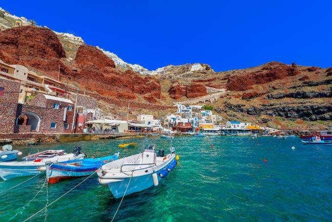 Santorini2_ta-pio-omorfa-nisia-gia-zeugaria-stin-ellada