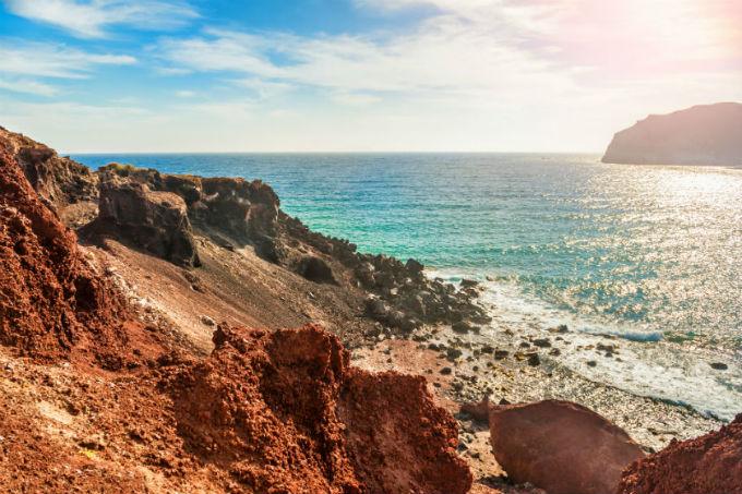 Santorini3_ta-pio-omorfa-nisia-gia-zeugaria-stin-ellada