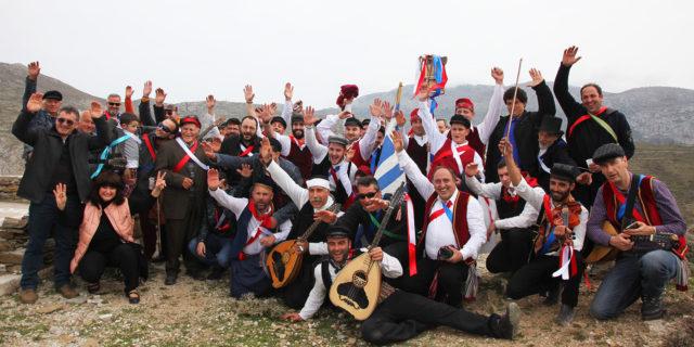 Μεγάλη ήταν η συμμετοχή και φέτος για το παραδοσιακό έθιμο του Καπετάνιου στα Θολάρια και στην Λαγκά...