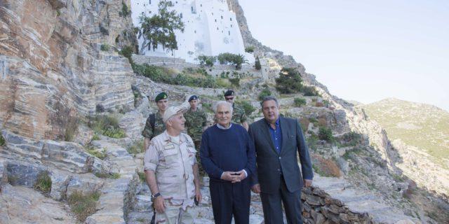 Στην Αμοργό σήμερα ο Υπουργός Άμυνας Πάνος Καμμένος