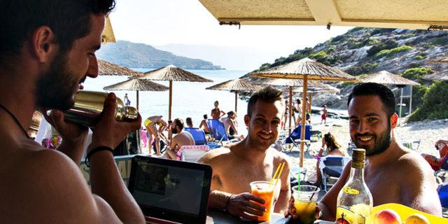 Μαλτέζι: η παραλία με τη χρυσή άμμο, τα γαλαζοπράσινα νερά και τα μοναδικά κοκτέιλ!