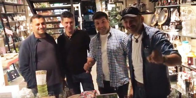 Ρουμάνοι ιστιοπλόοι αποκαλύπτουν που έχουν φάει το καλύτερο φαγητό στην Αμοργό!