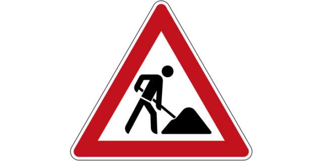 Εργασίες στο οδόστρωμα του επαρχιακού δρόμου από την αφαλάτωση της Αιγιάλης μέχρι τη διασταύρωση που...