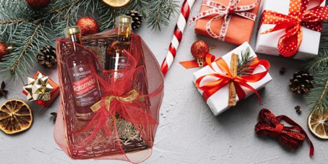 Χριστουγεννιάτικα καλάθια γεμάτα Αμοργό... γεμάτα Amorgion!