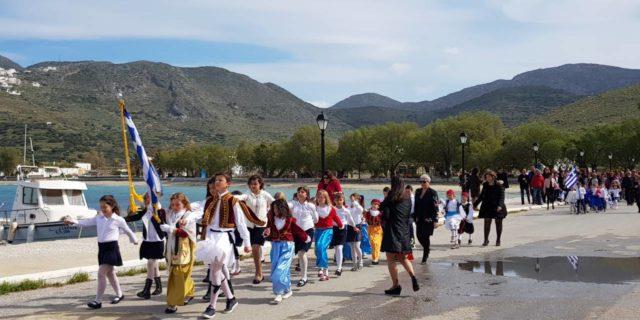 Με δοξολογία, κατάθεση στεφανιού και μαθητική παρέλαση τίμησαν οι Αιγιαλίτες την επέτειο της 25ης Μα...