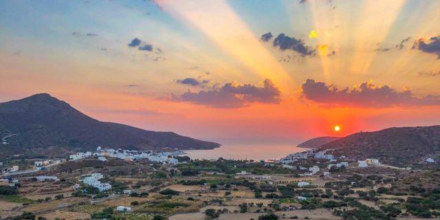 Το μαγευτικό ηλιοβασίλεμα της Αμοργού