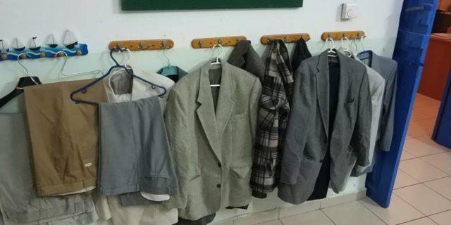 Διατίθενται δωρεάν ανδρικά ρούχα για άτομα μέσης και μεγαλύτερης ηλικίας
